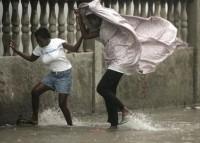 Ямайка готовится к тропическому шторму